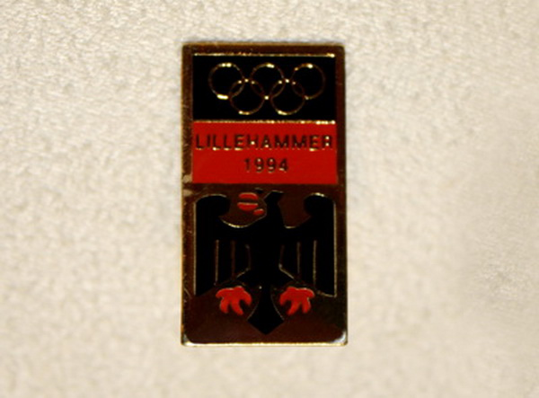 1994 Lillehammer Winter Olympic Games Commemorative Badge
